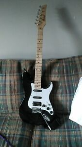 Electric guitar, lightly used