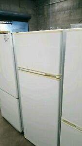 On special!!!! Fisher and paykel 400L fridge freezer