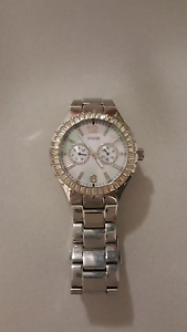 Guess Watch  with mother of pearl face Mullalyup Donnybrook Area Preview