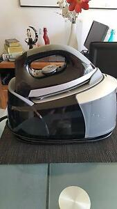 Steam Station Iron in Perfect Working ORDER _ NEEDS Descaling Surfers Paradise Gold Coast City Preview