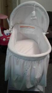 Starry Nights Winnie The Pooh Bassinet Campbelltown Campbelltown Area Preview