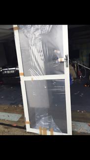 Airlite aluminium screen door brand new
