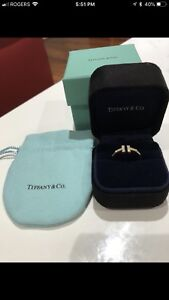 Tiffany and co gold diamond T wire ring