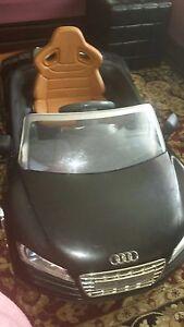 Bébé Audi R8 spyder