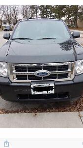 2012 black suv Ford Escape Xlt