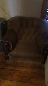 Free couch and chairs set, pick up only