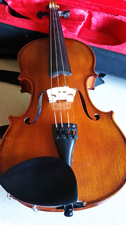 Violin full size and accessories