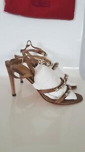 VALENTINO women heels - elegant -BARGAIN! size 40.5 italian