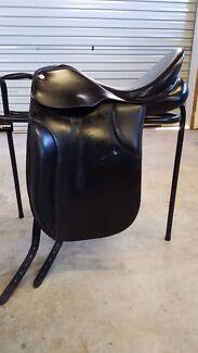 Collegiate black leather dressage saddle Brookfield Brisbane North West Preview