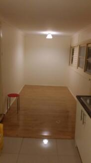 For rent Minto area, 1 bedroom, new kitchen, Fridge & Washer