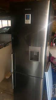 Samsung 308L stainless steel look fridge with water dispenser