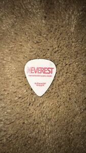 Neverest Band Guitar Pic