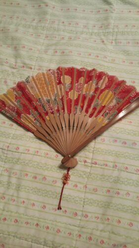 Vintage Silk Fan Asian With Printed Flowers Comes In A Cloth Case