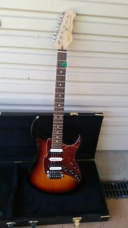 FRETKING SUPERMATIC SELF TUNING GUITAR PLUS HARDCASE. Maitland Maitland Area Preview