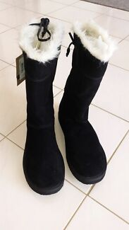 Brand new Rip curl slippers - ugg boots size 11 Cranbourne Casey Area Preview