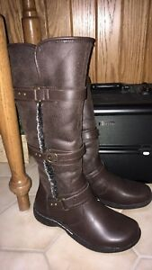 Brand new boots brown
