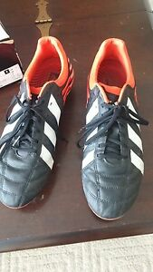 Adidas Rugby cleats excellent