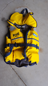 3 Children's Top Quality PFD Life Jackets Swan Bay Port Stephens Area Preview