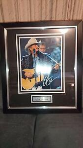 Alan Jackson signed photo frame Rosewood Ipswich City Preview