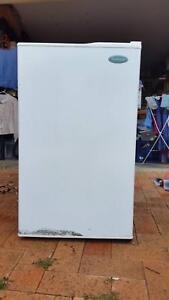 Westinghouse Bar-sized fridge