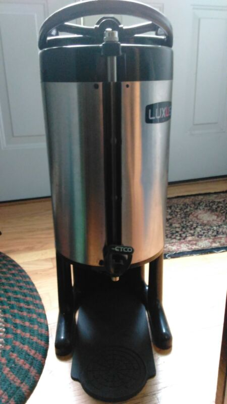 Fetco-Luxus 3.0 Gallon Coffee Dispenser- Insulated w/drip pad & cleaning brush