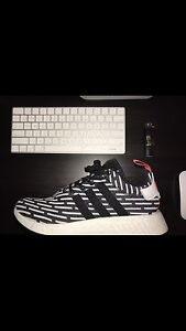 Size 10 adidas nmd r2