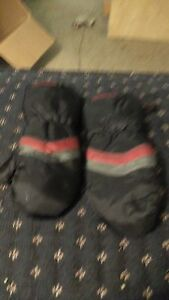 Kids mittens with zipper sides  London Ontario image 5