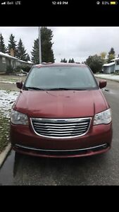 2014 Chrysler town and country for CHEAP!!