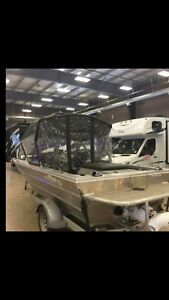 Jet boat for sale only 22 hrs heater gps canopy
