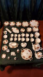 Royal Albert Old Country Roses 83 pieces