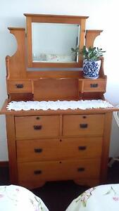 Dressing Table (Duchess) pine Red Hill Brisbane North West Preview