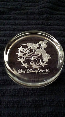 1996 WALT DISNEY WORLD 25TH ANNIVERSARY MICKEY MOUSE CRYSTAL PAPER WEIGHT