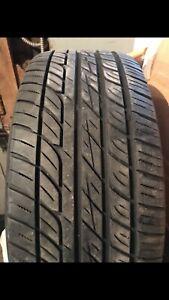 4 pneus d'été avec enjoliveurs (rîmes)
