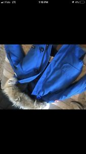 Authentic Canada goose Woman's 2xs