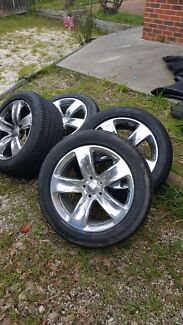 Genuine 20x10 JEEP SRT  & run flat perelli tyres only driven 85km City North Canberra Preview