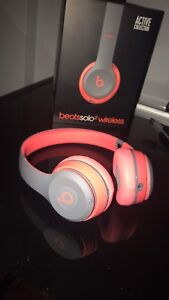 Beats Solo 2 wireless Active Collection Siren Red