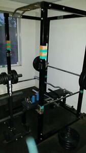 W8PL8 Squat cage plus >200kg in weights, 3 bars, more extras
