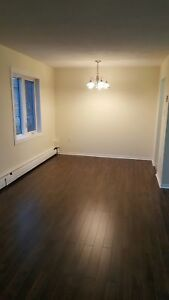 CLAYTON PARK'S BEST 1 BEDROOM AVAILABLE JANUARY 1ST