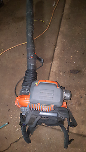 Husqvarna 570bts back pack blower North Richmond Hawkesbury Area Preview