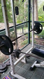 High Quality Olympic Squat Rack, Barbell + Hundreds of Kgs of Weights