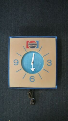 Vintage Pepsi Wall Clock Needs some tighting up