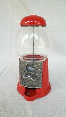 Carousel King Bubble Gum Machine Vintage Table Top With Glass Globe