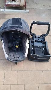 Baby capsule/carseat Leanyer Darwin City Preview
