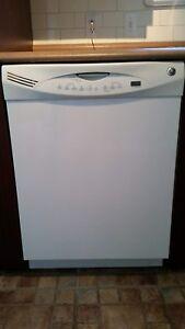 Lave vaisselle GE blanc