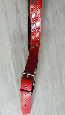 Gürtel rot coole Metall- Verzierungen ca.115cm = Gr. 95