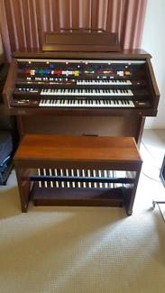 Kawai Organ DX 1900