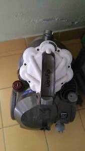 Vacuum cleaner Dyson DC29