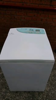 8kg Fisher and Paykel Washing Machine