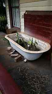 Claw foot bath cast iron Gordon Moorabool Area Preview