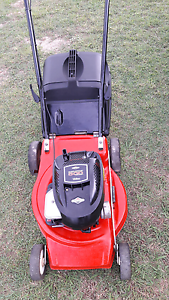 For sale Victor lawn mower 5hp starts ezy & runs well VGC Glamorgan Vale Ipswich City Preview